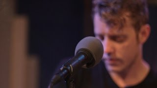 909 in Studio : Anderson East - 'Find 'Em, Fool 'Em, and Forget 'Em' | The Bridge