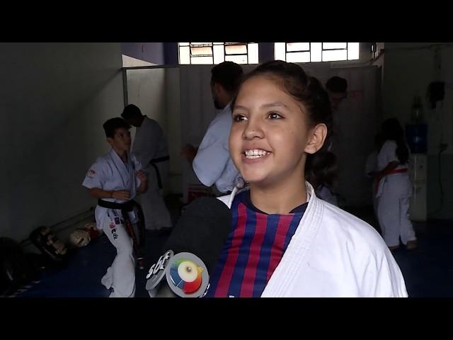 Para realizar sonho karatecas buscam ajuda da população