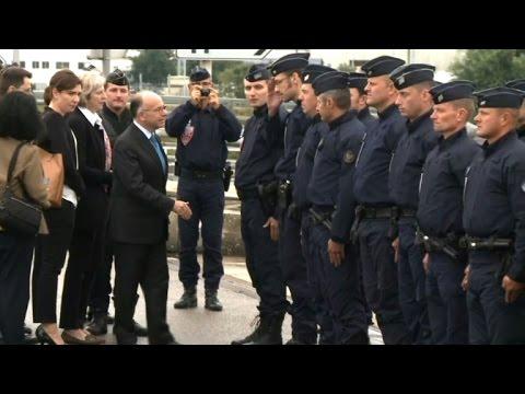 Migrants/Cazeneuve: diminution du nombre d'intrusions
