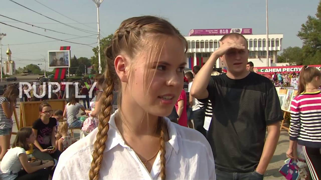 Teen girls in Tiraspol