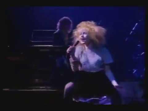 Cyndi Lauper - All through the night / Live in Paris, 1.987.