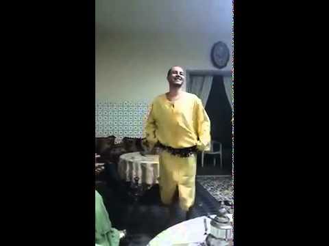 شوهة رجل مغربي يرقص رقص الفتيات danse maroc arabe thumbnail