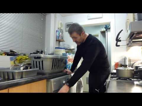LG WM14225FD Washing Machine Demo: 40C Synthetics PART 1 - Main Wash