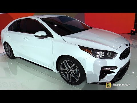 2019 KIA Forte Exterior and Interior Walkaround Debut at 2018 Detroit Auto Show