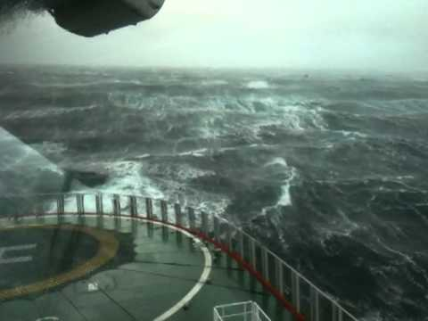 10 Meter high waves in the north sea on sub sea 7
