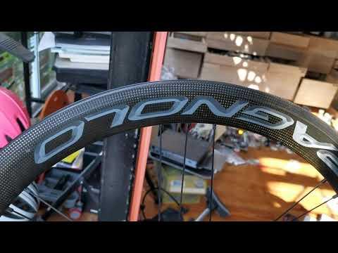 ล้อเสือหมอบคาร์บอนยี่ห้อcampagnolo รุ่น bora one50 ยางงัดมือสอง.. Okkbike.com