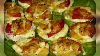 кабачки, запеченные с луком и помидорами
