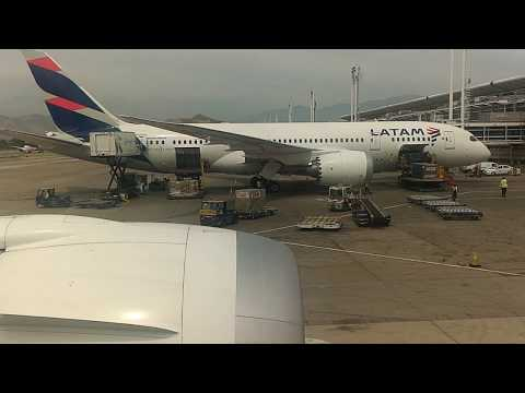 Boeing 787-9: Complete taxi and Take off from Santiago International Airport
