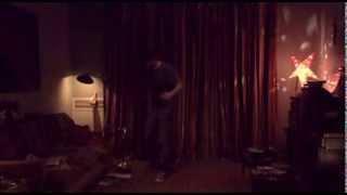 Video Todos Tus Muertos - El Féretro (Escena de Los Paranoicos, de Gabriel Medina - 2008) download MP3, 3GP, MP4, WEBM, AVI, FLV Oktober 2017