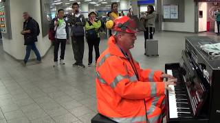 �������� ���� Roadman's Irresistible Piano Groove in the Station ������