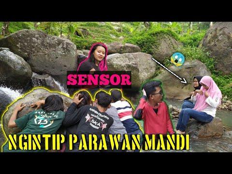 NGINTIP GADIS MANDI SEMBARANGAN