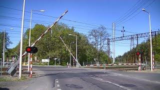 Spoorwegovergang Kostrzyn (PL) // Railroad crossing // Przejazd kolejowy