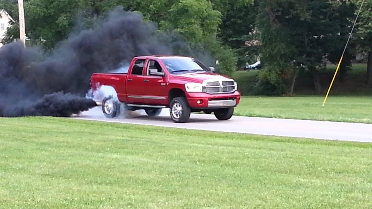 07 Dodge Cummins 900hp Nasty Burnout Youtube