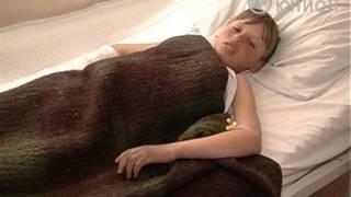 Пас коров и ударило током(Пас коров и оказался в больнице. Пятиклассник металлической трубой зацепил высоковольтный прОвод. От удара..., 2013-04-23T16:33:23.000Z)