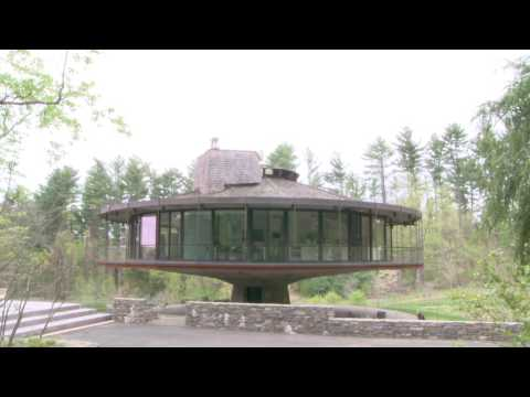 The Round House, Wilton Connecticut - Turning in Real Time.