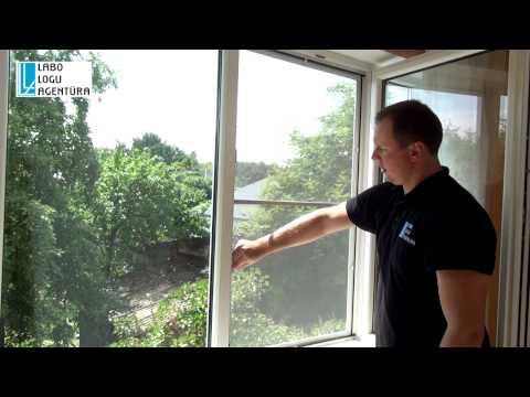 Как снять сетку с пластикового окна видео