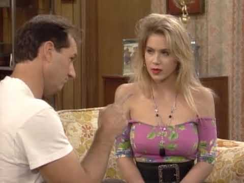 Christina Applegate 1990 Married with Children S05E09 02