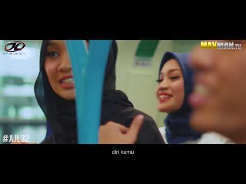 #AJL32 | Nabila Razali & Naim Daniel buat 'show' dalam MRT