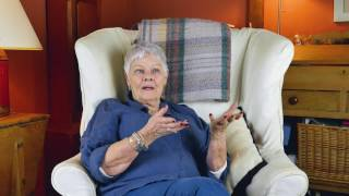 What I wish I knew about total knee replacement with Dame Judi Dench thumbnail