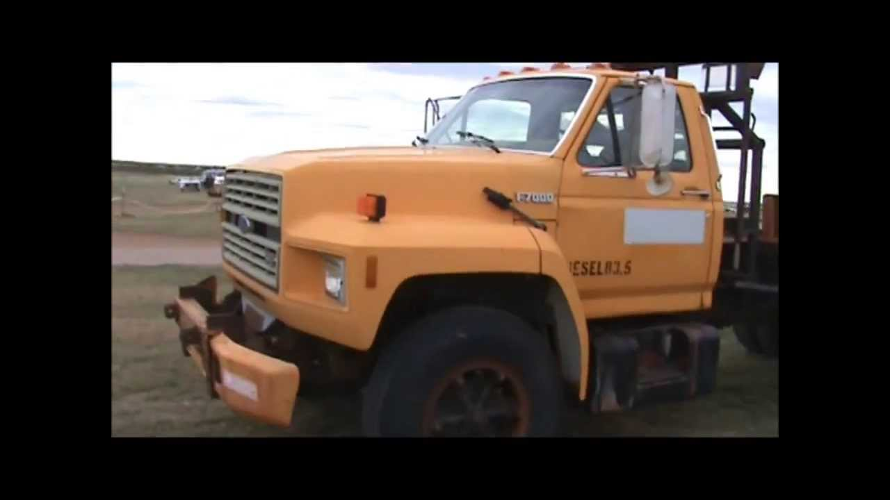 1987 Ford F700 flatbed truck for sale | sold at auction October 31 ...