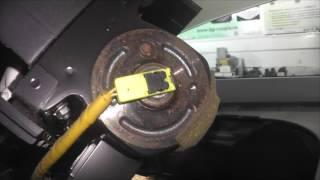 Зняття панелі і пічки Mazda Demio