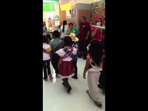 Cinco de mayo parade 2015 MG Ellis Elementary school