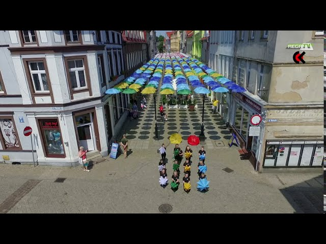 Magiczna Ulica Parasoli w Połczynie-Zdroju