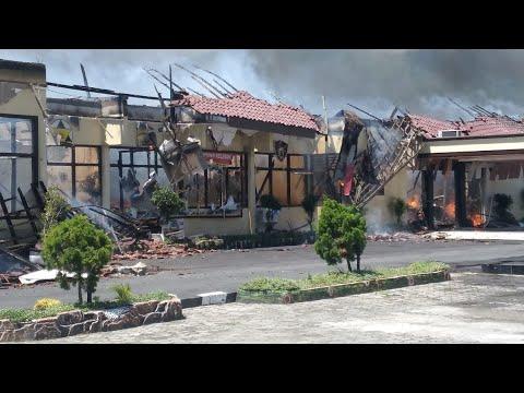 Mapolres Lampung Selatan Terbakar