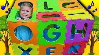 ABC song nursery rhyme for kids! Toddler learning Alphabet with ABC foam puzzle mat !
