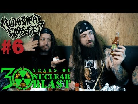 MUNICIPAL WASTE - Heavy Metal Hot Sauce Challenge at Grill 'Em All Burgers (OFFICIAL REVIEW)