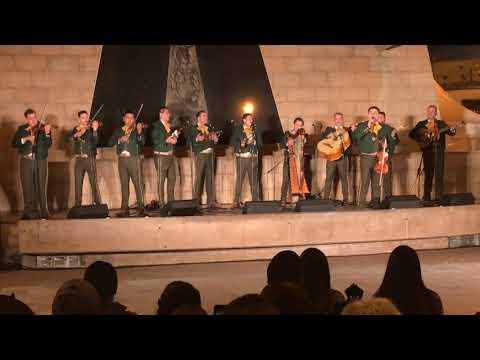 Mariachi Garibaldi de Jaime Cuellar & Mariachi Los Toros