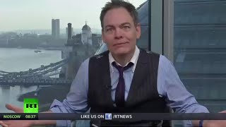 Keiser Report: Ugly-to-the-Bone Economy (Episode 877)