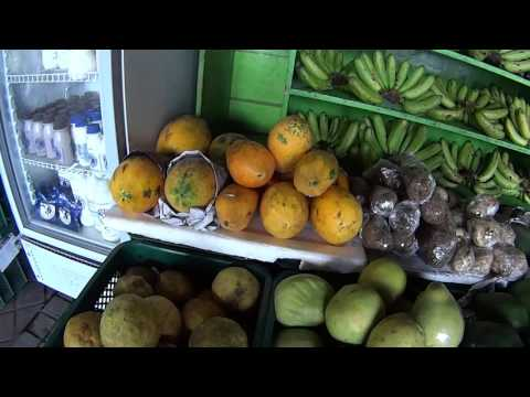 Philippines:Walk around BGC( Bonifacio Global City) to Malls and Fruits Market
