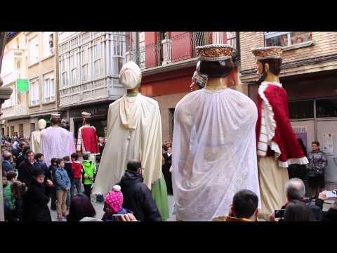 Los Gigantes de Sangüesa bailan la Jota Vieja, Día de San Sebastián 2015