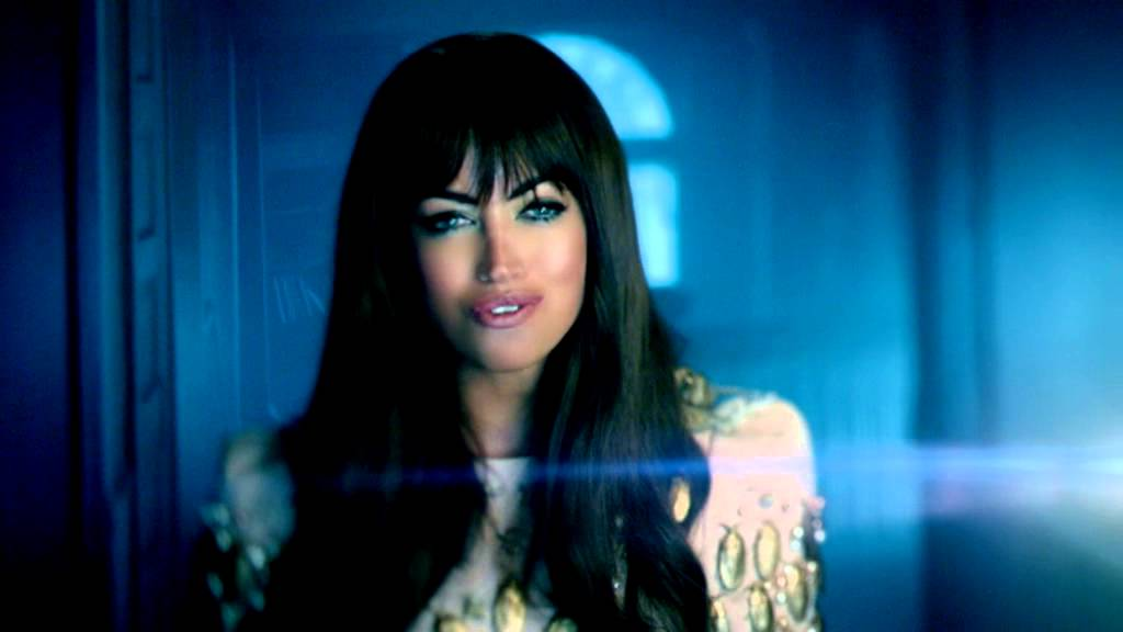 Aura Dione - Friends (Official Video)
