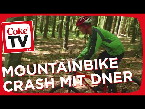 Downhill Mountain Biking mit Dner und Felix | #CokeTVMoment