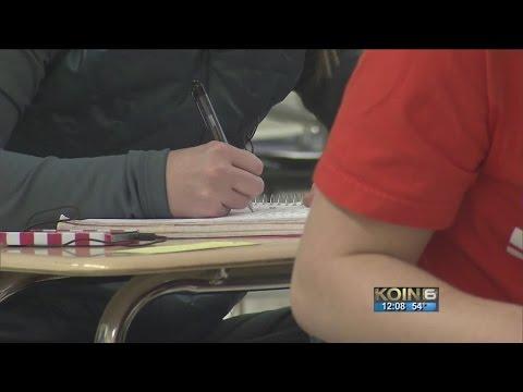 Oregon high school graduation rate improves