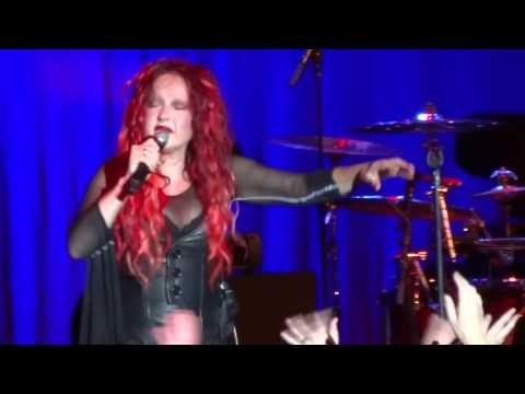 Cyndi Lauper  Cyndi cries as she performs Time After Time