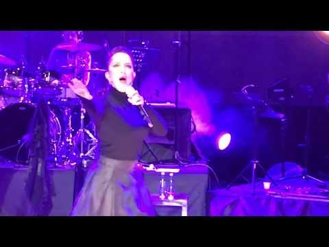 Sertab Erener - Mecbursun (Sen Yeter ki Sev) , Bilkent Odeon 2017 / (M.A.D)