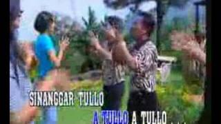 Download Sinanggar Tullo - Trio Amsisi (Batak)