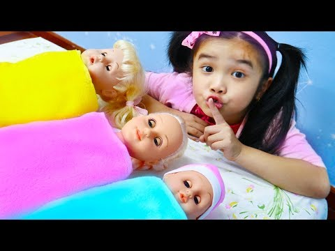 Hana Pretend Play w/ Cry Baby Dolls Sleeping Routine Funny Girl Toys