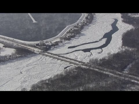 RAW: 7-mile ice jam in Kankakee River threatens flooding in Wilmington
