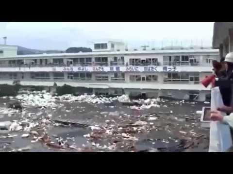 Tsunami - Earthquake Attacking Japan 2011 - Most Shocking Tidal Wave Video