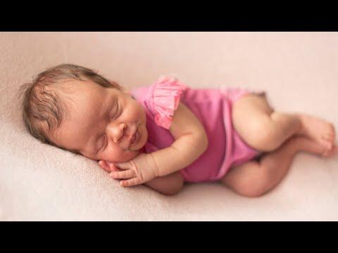 С Днем рождения, малышка - Песня для детей | Детские песни от Майи и Маши