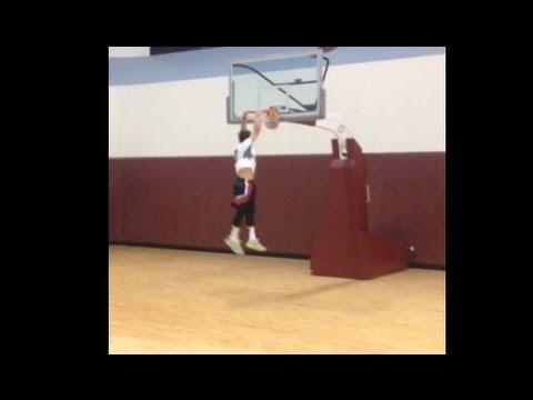 johnny-manziel---johnny-manziel-can-dunk-video-shows