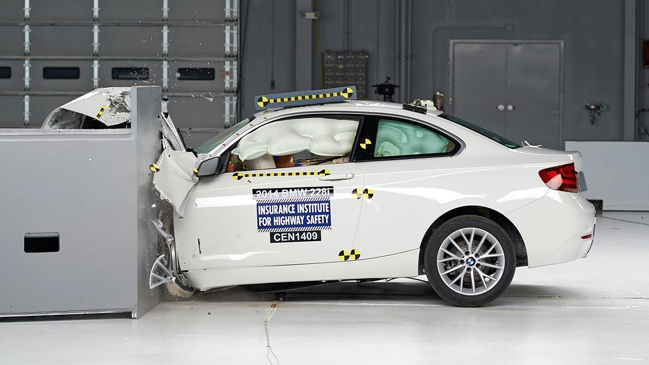 2014 Bmw 2 Series Driver Side Small Overlap Iihs Crash