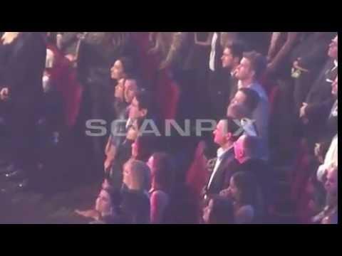 Selena Gomez & Niall Horan Sing Along To...