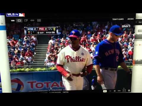 Marlon Byrd breaks bat without even hitting ball