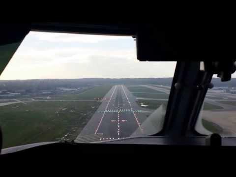 Landing Gatwick Airport EGKK 26L Cockpit view