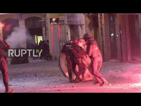 Spain: Clashes erupt in Pamplona as protesters demand release of separatists